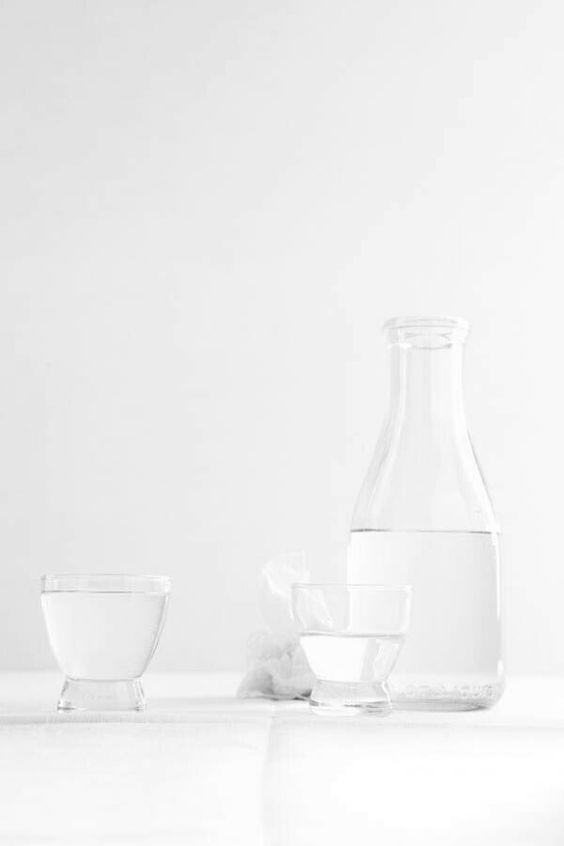 buvez de l'eau avant chaque repas pour limiter les dégâts pendant les fêtes