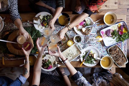 Eviter de boire pendant les repas pour favoriser la bonne digestion